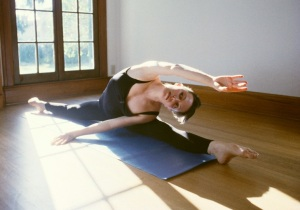 Woman in splits Mar 13